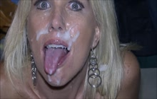 Amateur MILF sucks cock for a facial